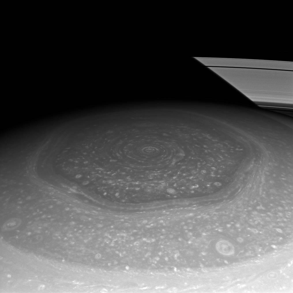 Enigmas del universo: el hexágono de Saturno